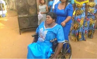 Man wed lady in wheelchair