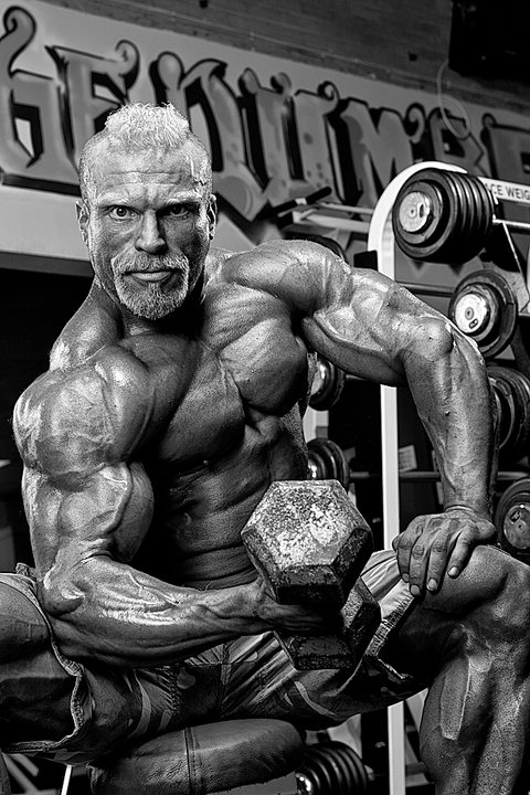 Muscle Addicts Inc British Muscle Daddy Barny Du Plessis