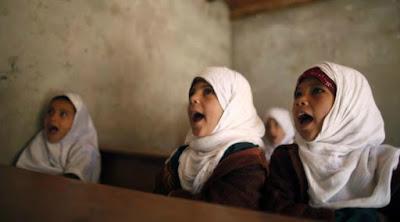Membaca Pola Hak Pendidikan Bagi Perempuan: Antara Fakta Suram dan Propaganda