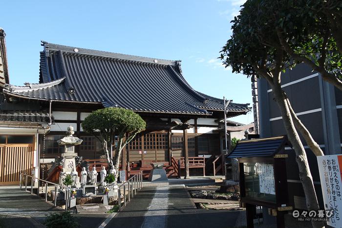 Le temple Baioin et son allée
