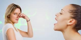 Inilah yang Menyebabkan Bau Mulut Disertai Solusinya