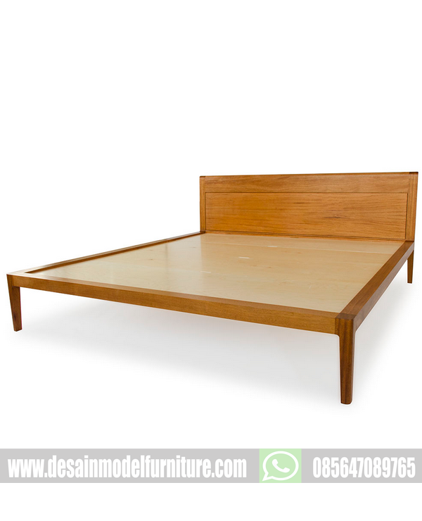 Tempat tidur sederhana kayu jati