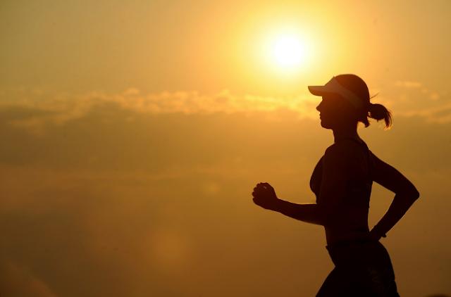 10 kebiasaan tidak sehat setelah berolahraga membuat Anda bertambah berat badan