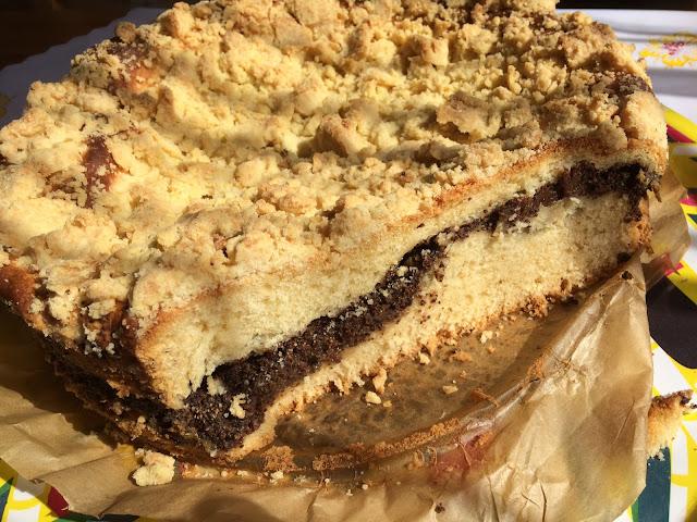 pyszne drożdżowe ciasto z makiem i kruszonką
