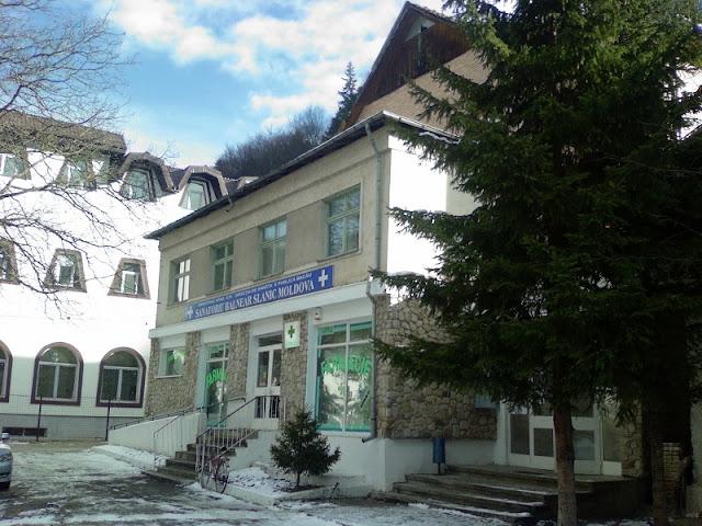 В «Sanatoriu Balnear» Министерства здравоохранения можно получить консультацию врача, а также пройти полный курс физиотерапевтических процедур