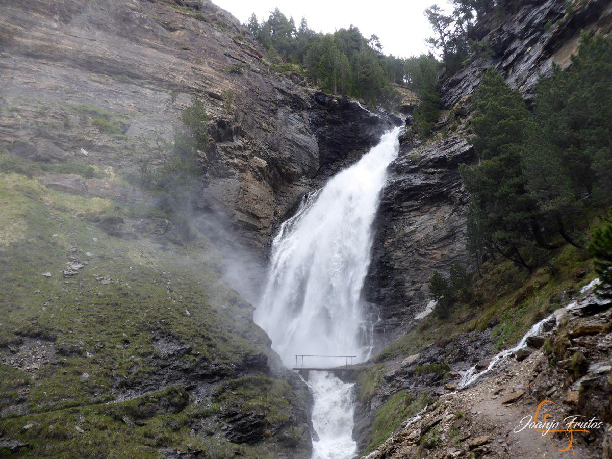P1140141 - Ruta Las Tres Cascadas de Cerler con mucha agua
