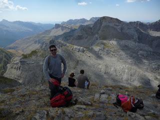 Cumbre del Petrechema (2.360 m). Mallo de Acherito al fondo