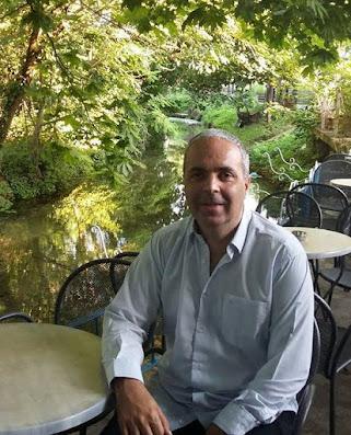 Ο Νίκος Λυγερός μιλάει στον «Π.Τ.» Η οικονομική κρίση και το εκπαιδευτικό σύστημα στην «σκακιέρα» του Ν. Λυγερού - Πρωινός Τύπος