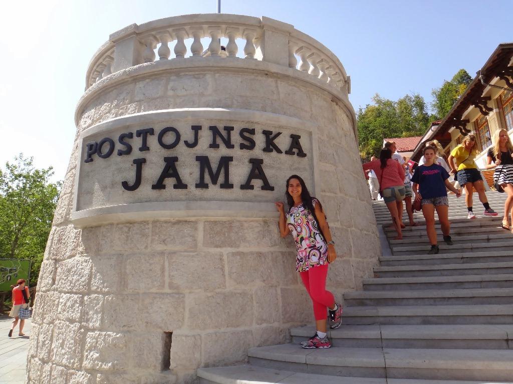 Caverna de Postjona na Eslovênia