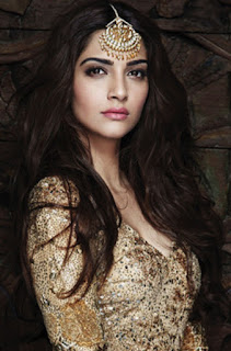 Sonam Kapoor hot Bollywood actress
