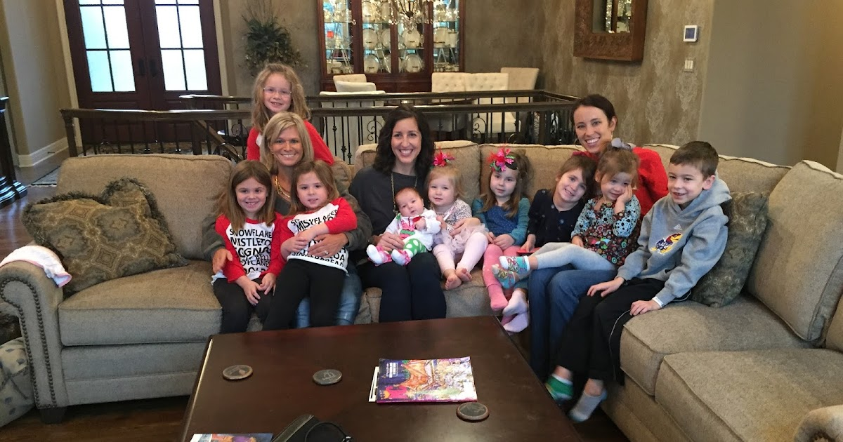 Keeping Up With The Jonesu0027: Best Friend Christmas Luncheon And Deanna Rose  Christmas Lights