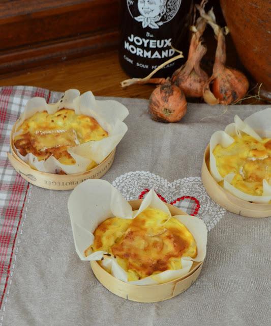 Quiche sans pâte aux oignons et au camembert