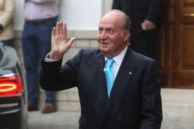 Presuntas comisiones millonarias y cuentas en Suiza: los negocios opacos de Juan Carlos que precipitaron su decisión
