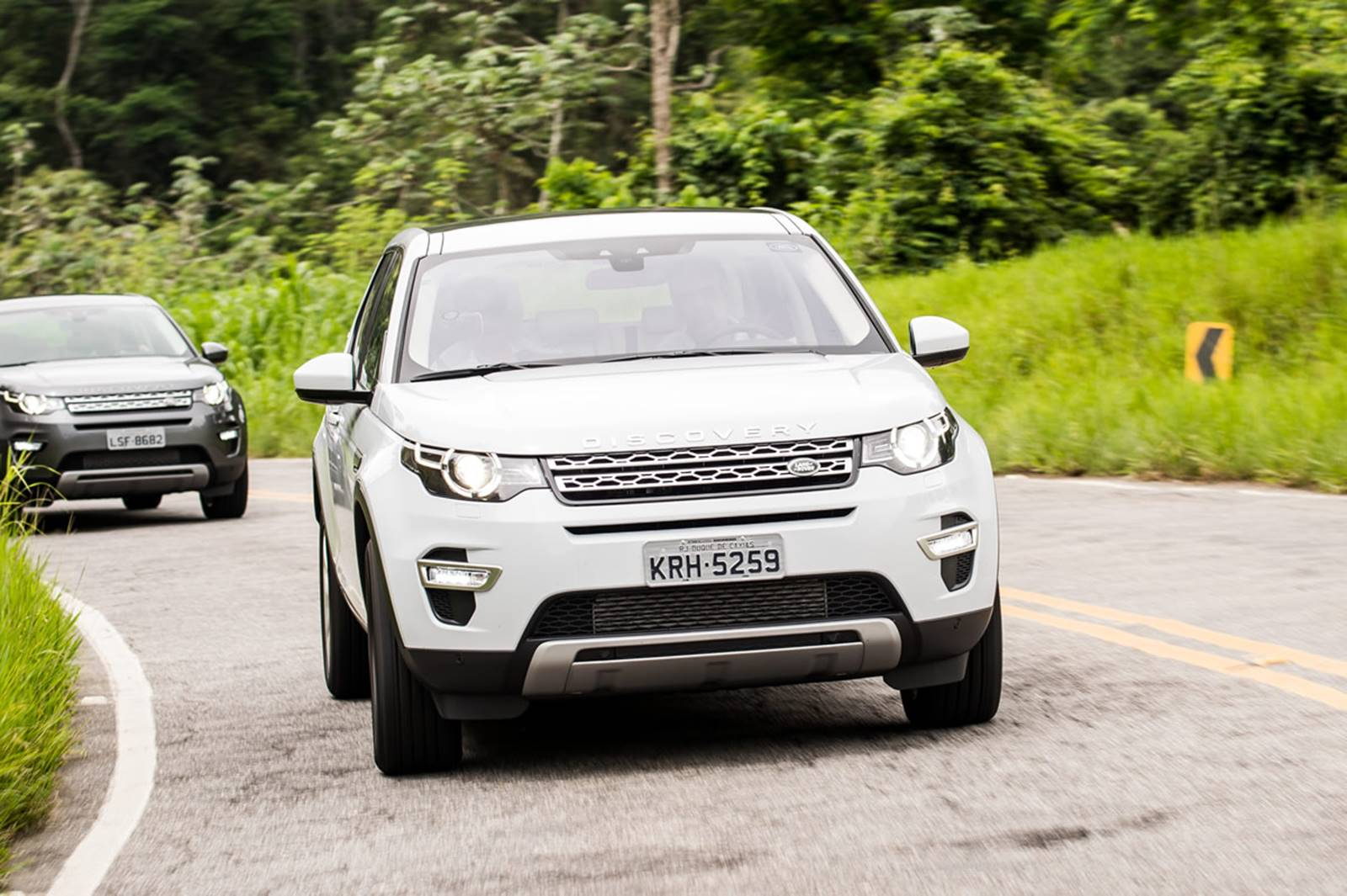 land rover discovery sport 2017 fotos pre os consumo. Black Bedroom Furniture Sets. Home Design Ideas
