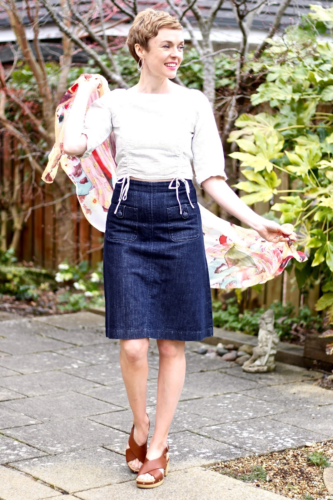 Denim A-line Skirt, Cropped linen top & tan sandals | Fake Fabulous