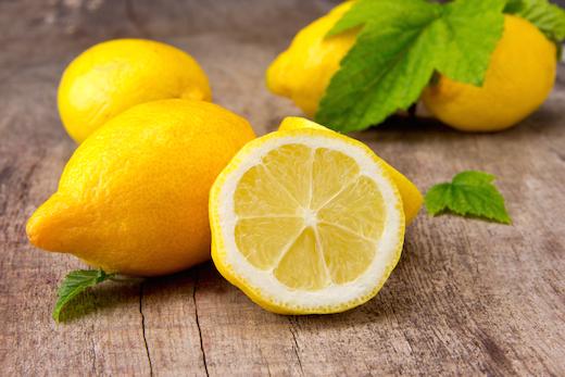 Makanan-makanan untuk Mengatasi Bau Mulut