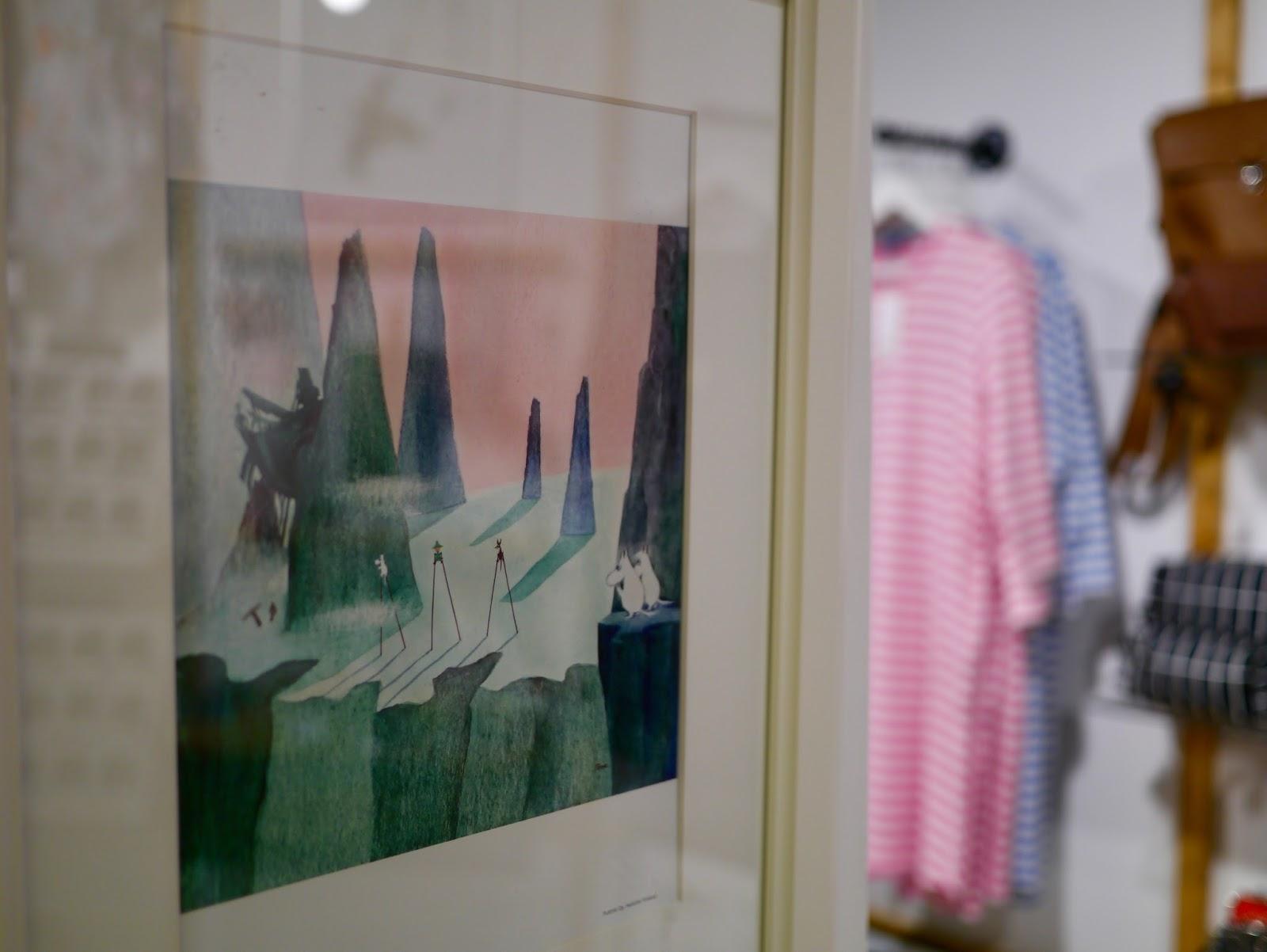 Suomalainen design-kauppamme täällä Reykjavikissa on nimittäin tullut  puolen vuosikymmenen ikään. 9068aff205