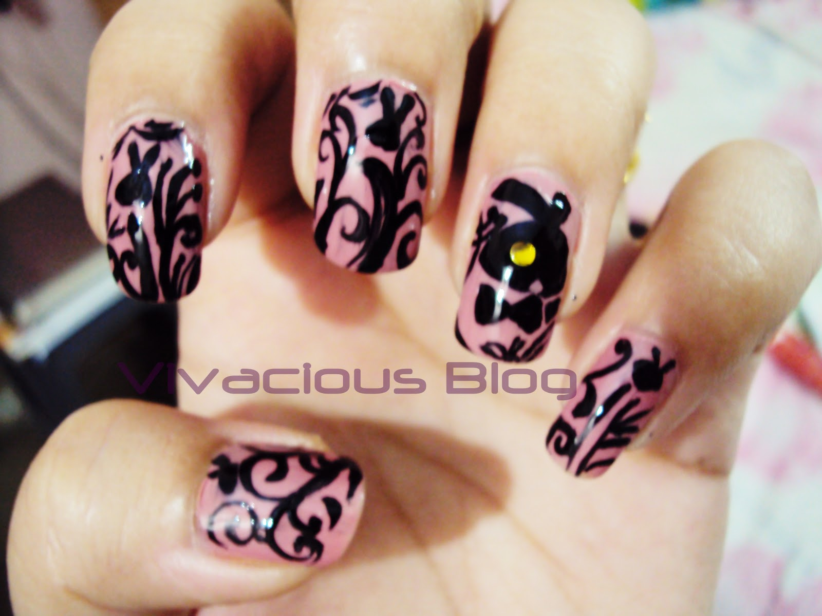 Vivacious Blog: Playboy Bunny Inspired Nail Art