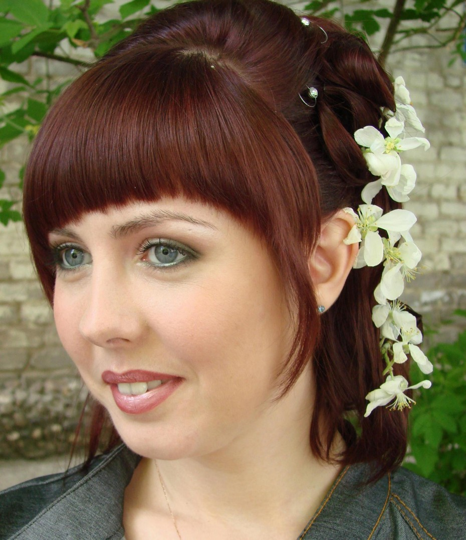 asian bridal hairstyle for round face: short hairstyles for round