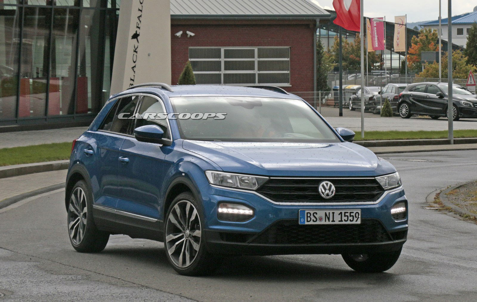 vw t roc r looks to spice up the crossover segment with. Black Bedroom Furniture Sets. Home Design Ideas
