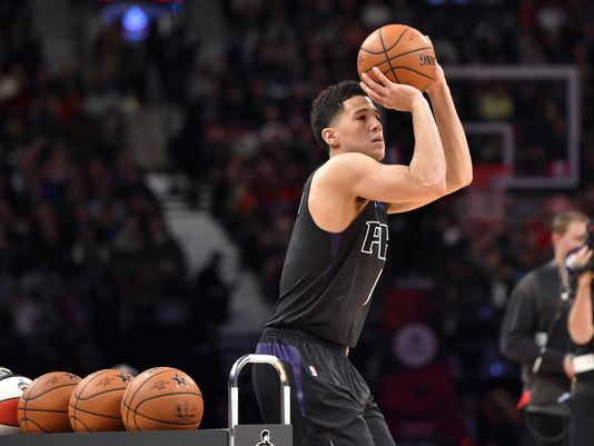Devin Booker au concours à 3 points au all star game weekend