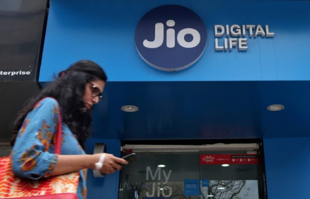 Reliance_Jio_Adds_9.4_Million_Users_In_March_While_Airtel,_Vodafone,_Idea_Lost_30_Million_Users