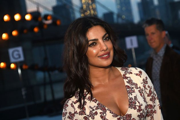 Priyanka Chopra stunning photos At New York Fashion Week