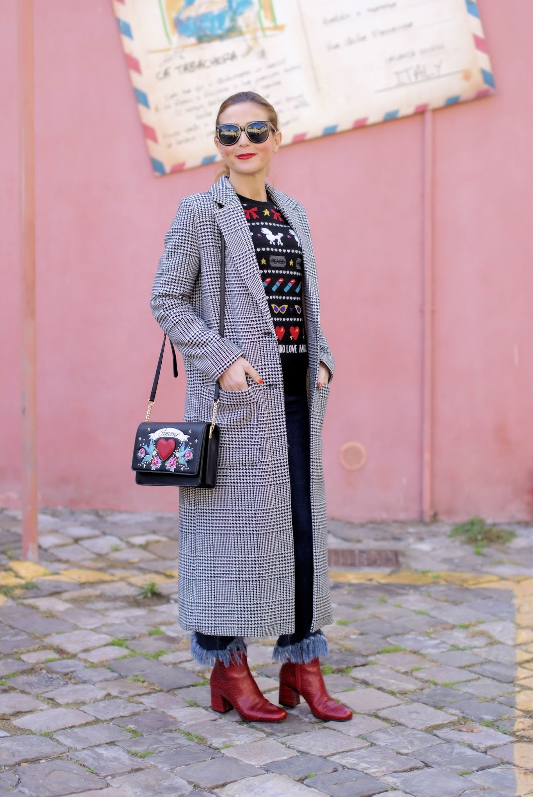 Last call for a Prince of Wales maxi coat: fringed jeans, street style look on Fashion and Cookies fashion blog, fashion blogger style