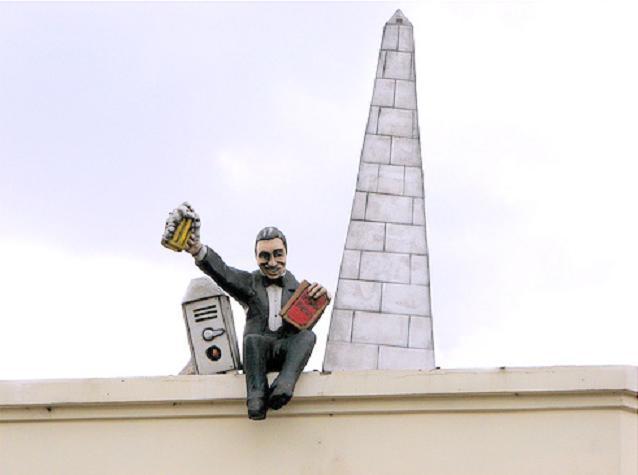Gardel En Sus Monumentos En Quot El Patio Cervecero Fabrica