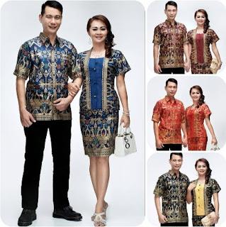 Style Baju batik keluarga besar untuk pesta