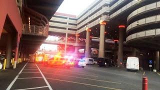 Según los primeros informes suministrados a la estación afiliada a NBC KSNV, dos personas fueron heridas en el tiroteo producido en el Aeropuerto Internacional MCarran.