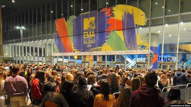 Entrada a la feria de muestras con motivo del programa de MTV