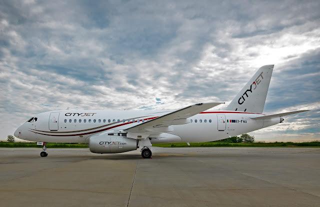 İrlanda havayolu CityJet (EI-FWA) tescilli Sukhoi Superjet 100 yolcu uçağı...