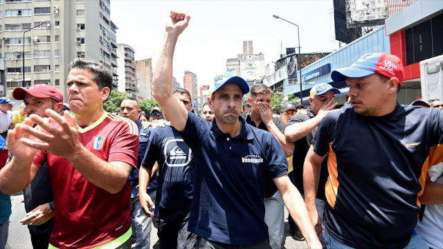 Capriles anuncia que someterá su inhabilitación a referéndum
