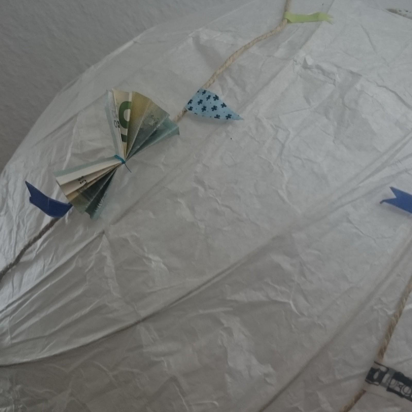 lucciola diy wedding hot air balloon gift of money