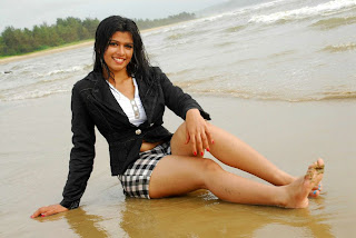 WWW..BLOGSPOT Actress Nakshatra Spicy Legs Show in Short Images Picture Stills Gallery 0003