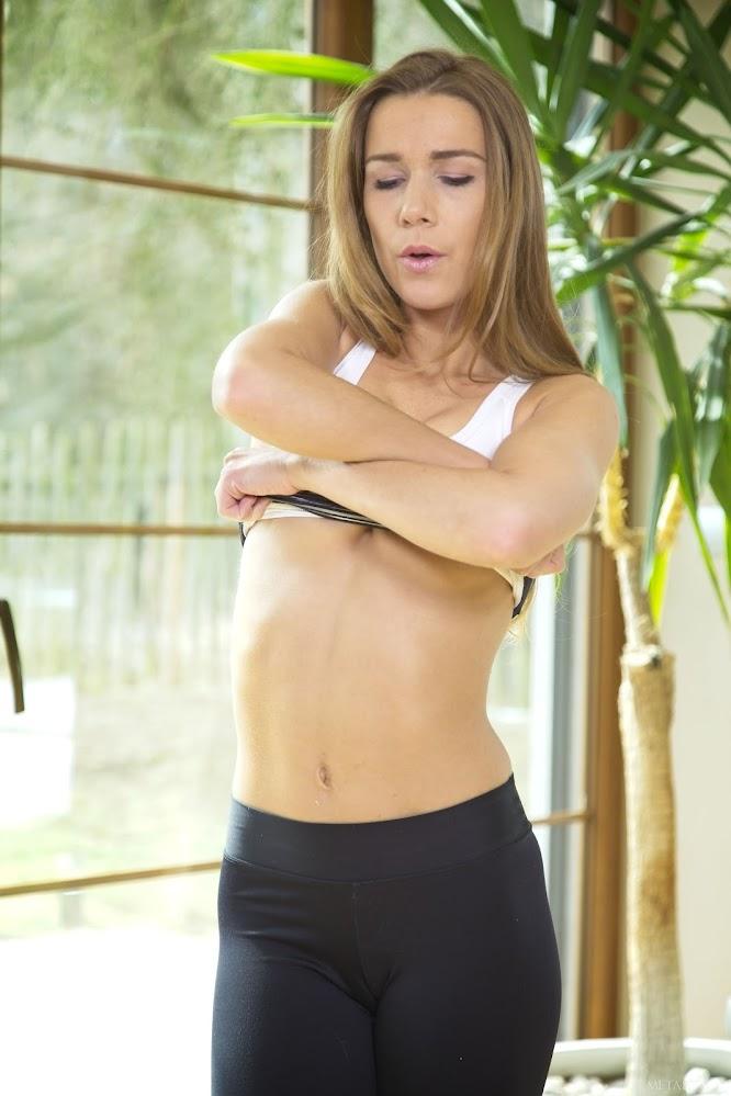 MetArtX Alexis Crystal Vibro Workout 1 - Girlsdelta