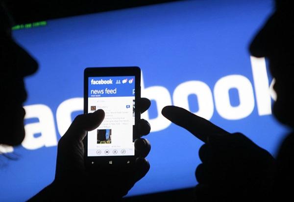 فيسبوك يخرج من قائمة أشهر 3 مواقع في الولايات المتحدة!