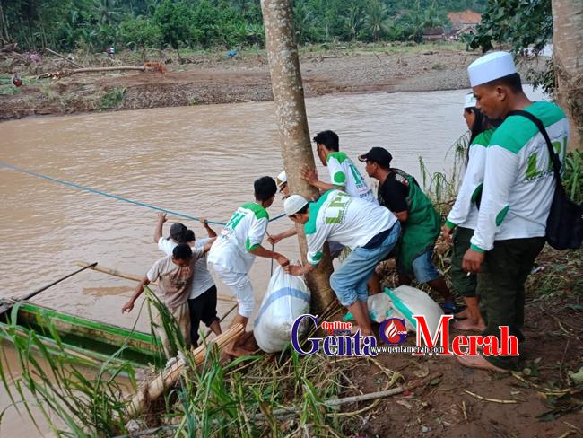 FPI Lampung Salurkan Bantuan Korban Banjir di Tanggamus