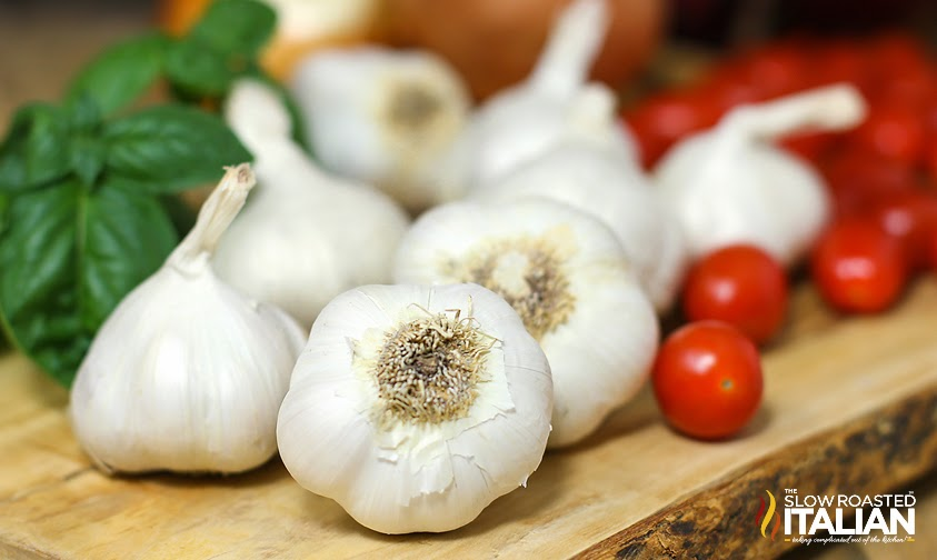 How to peel garlic in 7 seconds