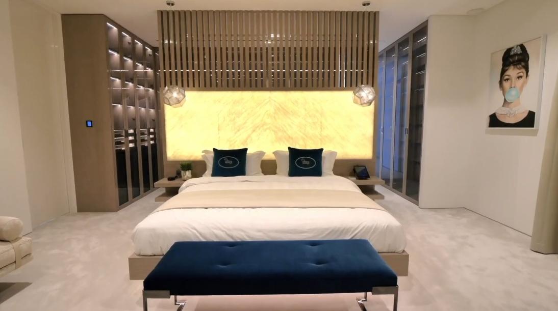 92 Interior Design Photos vs. ONE100, Palm Jumeirah Dubai Luxury Beach Mansion Tour