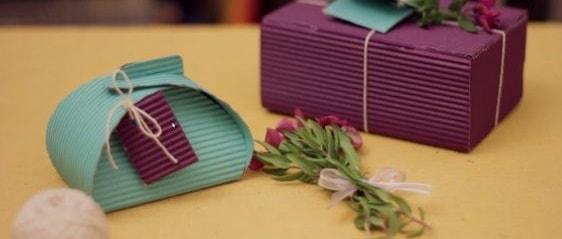 Utiliza papel corrugado para crear cajas donde coloques tus joyas.