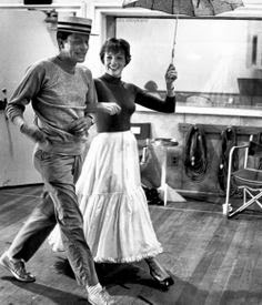 Mary Poppins Walt Disney film 1964 animatedfilmreviews.filminspector.com