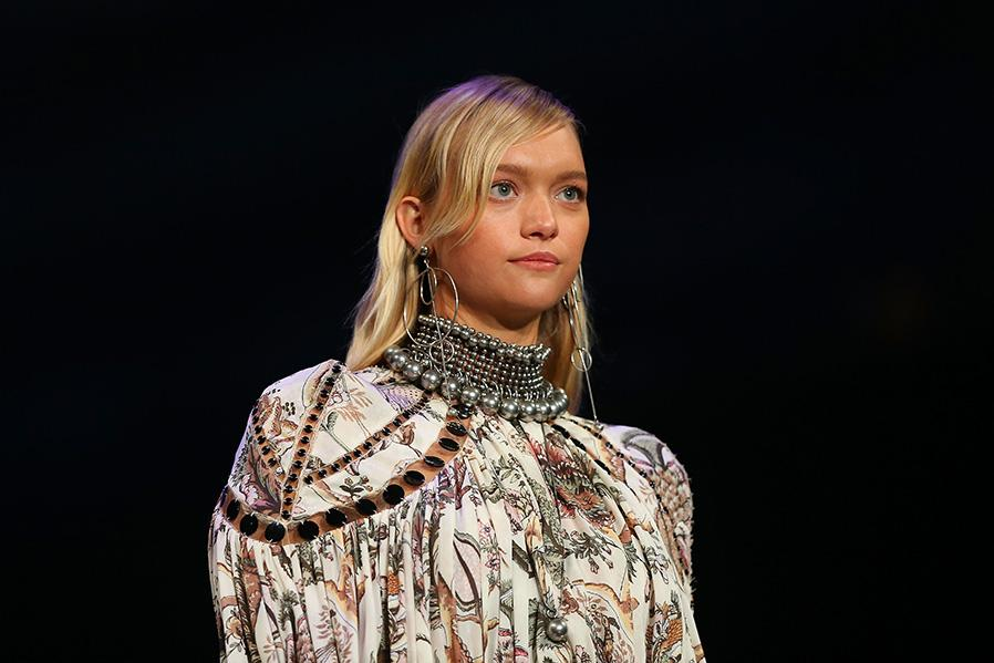 Gemma Ward Walks for David Jones, Discusses Pregnancy