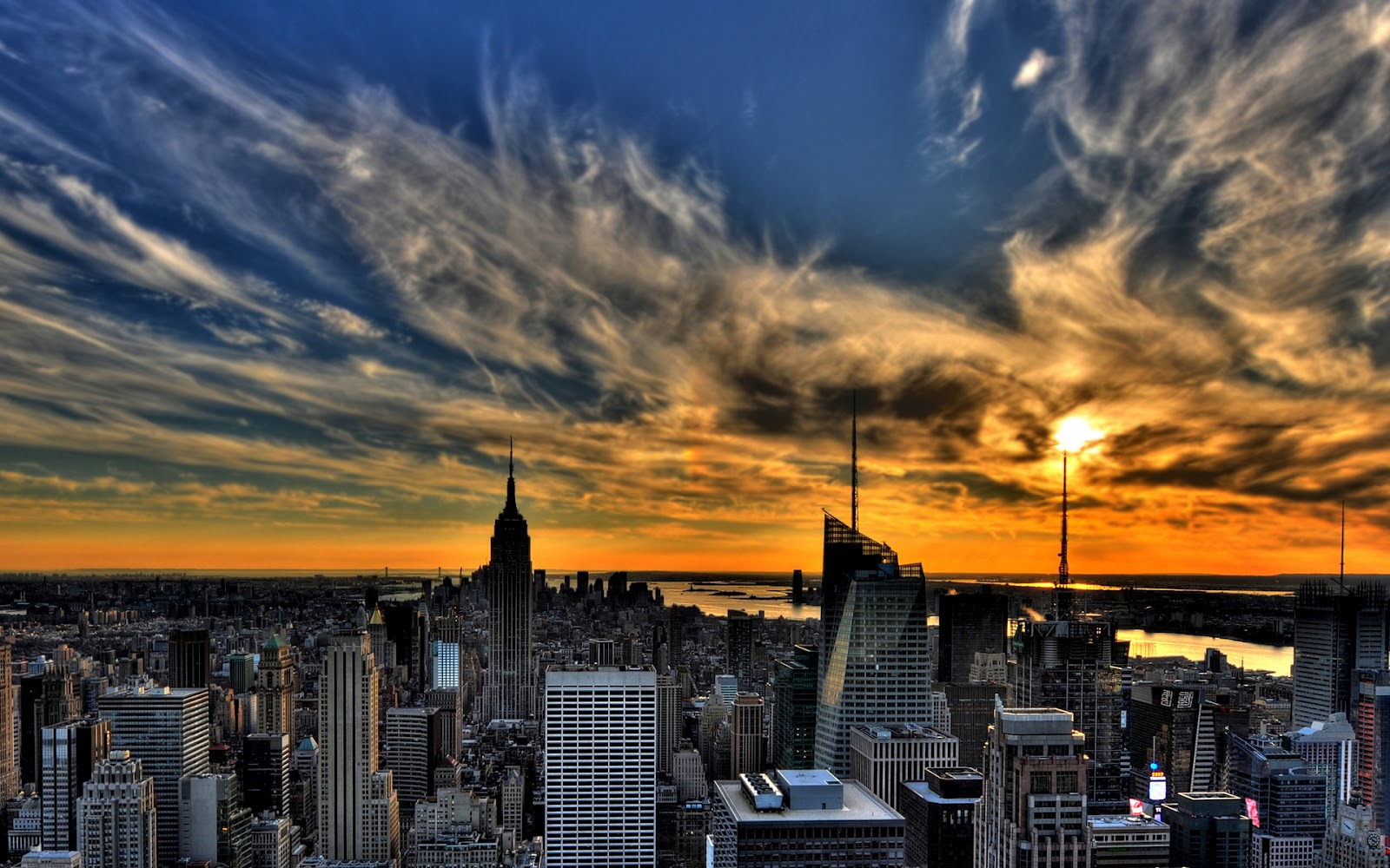 http://4.bp.blogspot.com/-o8L6N8cjrJ8/T58qItmukTI/AAAAAAAAbV0/C00SmgPdHSA/s1600/New-York-NYC-USA-Wallpapers_05.jpg