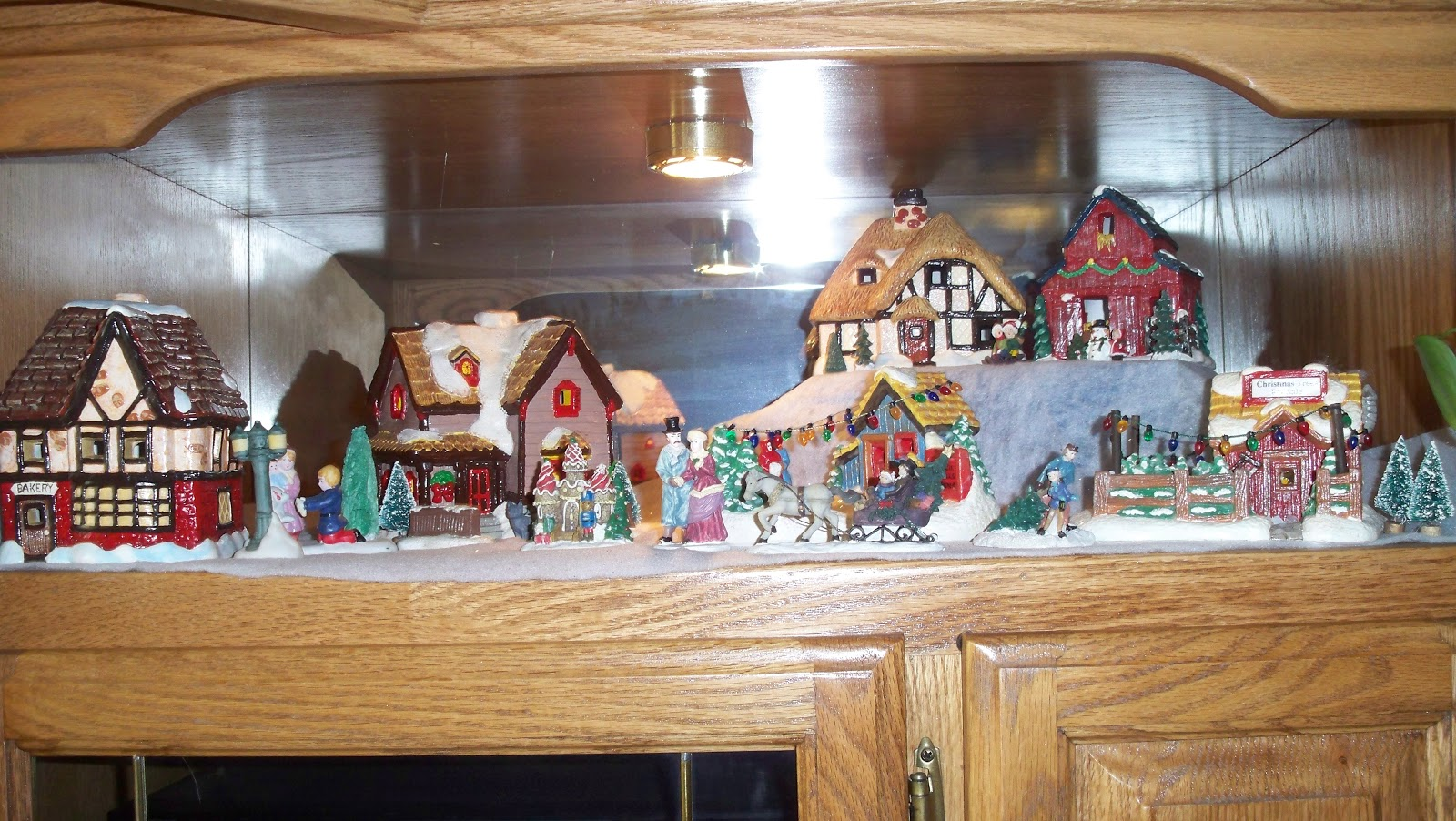 fea6a5b3 Starbound Lovers: THE CHRISTMAS VILLAGE