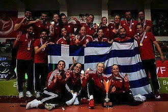 Από τα αλώνια στα «σαλόνια»   Η πορεία της γυναικείας ομάδας βόλεϊ του Ολυμπιακού