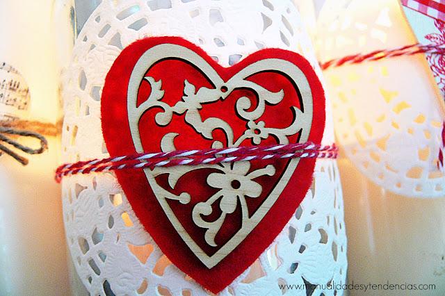 Corazones de fieltro decorativos para San Valentín