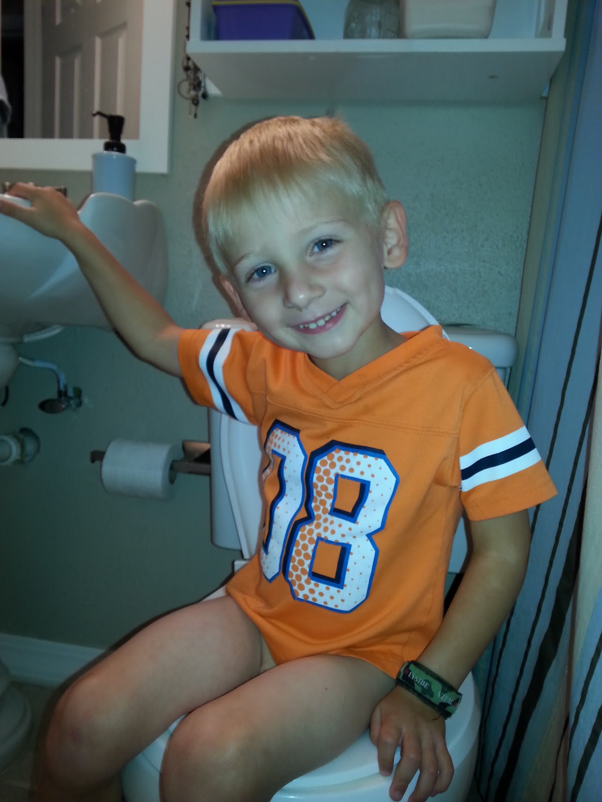 Cum of her feet