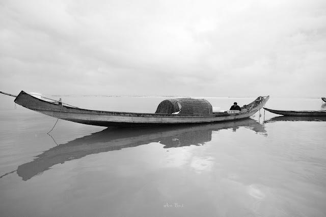 Sáng sớm tại làng chài Đầm Cầu Hai, Phá Tam Giang